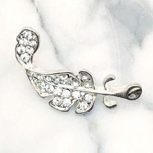 Jewelry - Small Silver Leaf Brooch